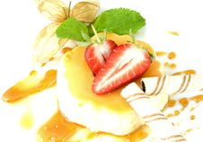 Free Creme Caramel Royalty Free Stock Images - 13987199