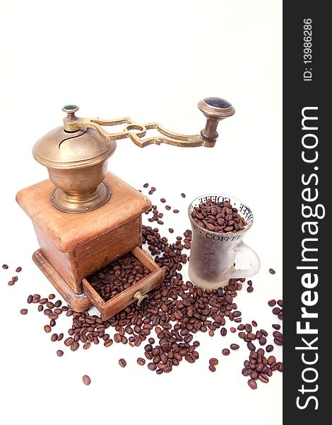 Coffee grinder and coffee