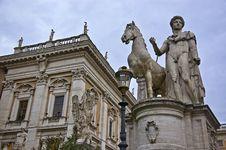 Free Roman Statue Royalty Free Stock Photography - 13990557