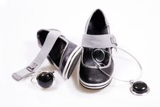 Free Shoes With Jewellery And Black Stones Royalty Free Stock Photography - 13990617