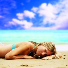 Free Beautiful Girl On The Beach Royalty Free Stock Photography - 13994727