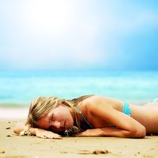 Free Beautiful Girl On The Beach Royalty Free Stock Photography - 13994757