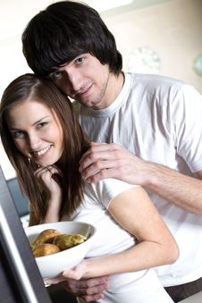 Free Boy With Smile And Nice Girl With Plate Royalty Free Stock Photography - 13996037