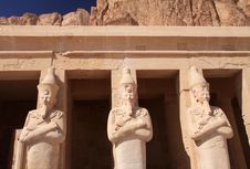Free Stone Statues In Egyptian Temple Royalty Free Stock Photography - 13997147
