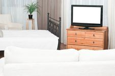 Free The Big TV Set In Bedroom Royalty Free Stock Image - 13999856
