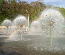 Free Fountain Rainbow Royalty Free Stock Photos - 140798