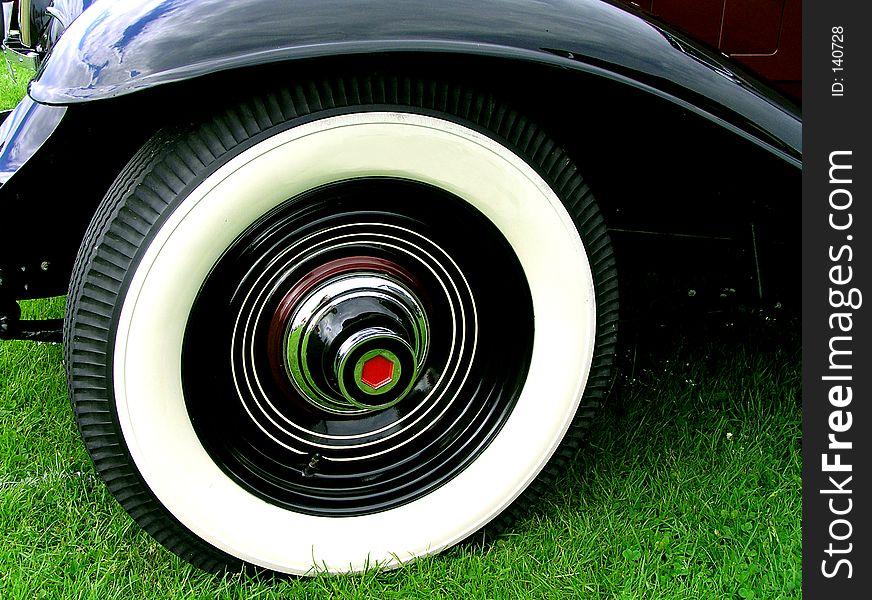 Luxury White Wall Tyres