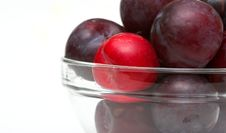 Free Bowl Of Plums Stock Images - 1400284
