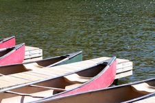 Free Canoes Stock Images - 1401094