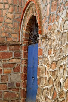 Free A Blue Door Royalty Free Stock Image - 1404036