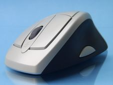 Free Cordless Mouse 2 Royalty Free Stock Images - 1406159