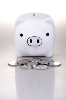 Free Piggy Bank Royalty Free Stock Image - 1407986