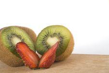 Free Kiwi And Fresh Strawberry Stock Images - 14000624