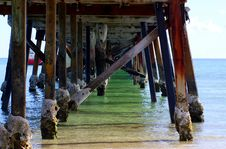Free Under The Semaphore Jetty Royalty Free Stock Images - 14004019