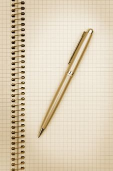 Free Notepad And Pen Royalty Free Stock Photo - 14007635