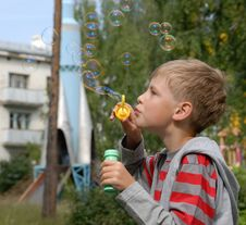 Free Boy   Soap Bubbles Royalty Free Stock Photo - 14010065