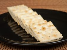 Free Saltine Crackers Royalty Free Stock Photo - 14014295