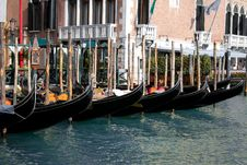 Free Gondolas Royalty Free Stock Images - 14014299