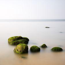 Free Stepping Stones Stock Photo - 14017000