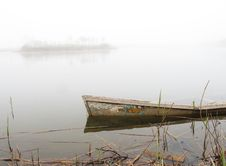 Free Sunken Boat Royalty Free Stock Photos - 14021348