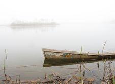 Free Sunken Boat Royalty Free Stock Photos - 14021348
