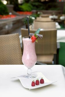 Free Strawberry Milkshake On The Table Royalty Free Stock Photography - 14021537