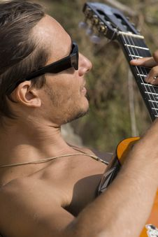 Free Guitarist Royalty Free Stock Photo - 14023605