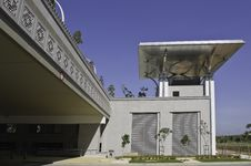 Free Decorative Building Bridge Stock Photos - 14023933