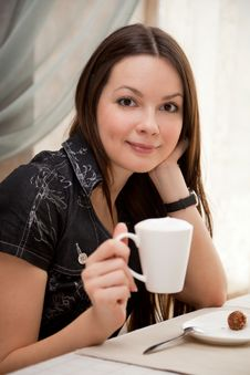 Free Young Woman In Cafe Royalty Free Stock Photo - 14024895