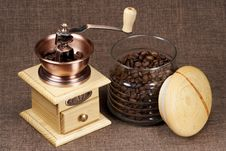 Free Coffee Grinder And Bank From Coffee Royalty Free Stock Images - 14026239