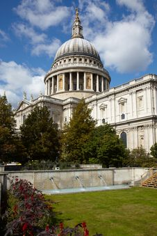 Free St Paul S Cathedral In London Royalty Free Stock Image - 14026946