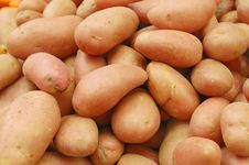 Free Close Up Of Potatoes On Market Stand Royalty Free Stock Images - 14027699