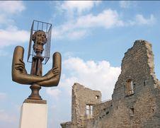 Free Marquis De Sade Castle Ruins Royalty Free Stock Photo - 14032305