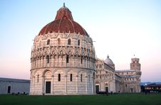 Free Pisa, Baptistry, Cathedral And Leaning Tower Stock Photo - 14038680