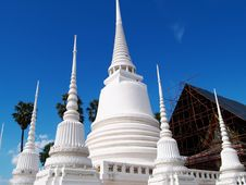 Free White Pagoda In Ayuthaya Thailand Royalty Free Stock Photography - 14041927