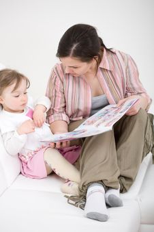 Free Family Reading Stock Photo - 14042090