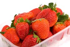 Free Strawberries In A Bowl Royalty Free Stock Photos - 14043358