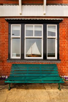 Free Garden Bench And A Window Stock Photo - 14046120