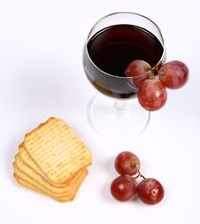 Free Red Wine In A Wineglass Royalty Free Stock Images - 14047999