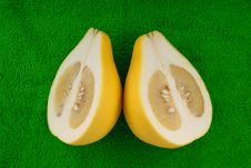 Free Pomelo Lie On Green Towel Stock Images - 14048304