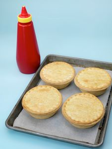 Free Australian Meat Pies Royalty Free Stock Photos - 14048948