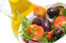 Free Salad With Cherry Tomatoes, Onion And Olives Royalty Free Stock Photos - 14050308