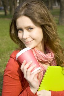 Free Lunch Is A Student In The Park Royalty Free Stock Image - 14053176