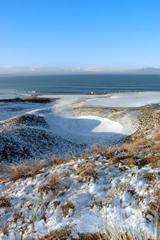 Free Snow Covered Links Golf Course And Flag Stock Photos - 14054163