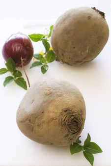 Free Beetroot And Onion On White Cutting Board Stock Photo - 14055290
