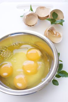 Free Eggs In The Metal Bowl With Leafs Stock Photo - 14055300