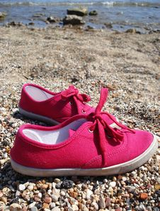 Free Pink Sneakers Royalty Free Stock Images - 14055839
