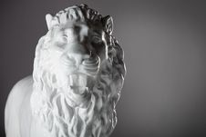Statue Of Plaster Lion Royalty Free Stock Photos
