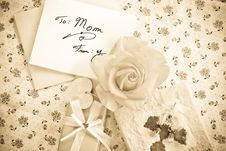 Free To Mom Royalty Free Stock Photography - 14060037