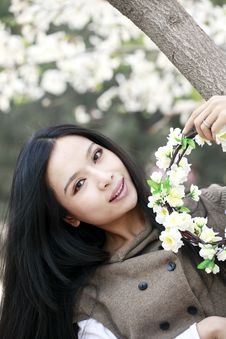 Free Chinese Girl In Spring Stock Images - 14066554